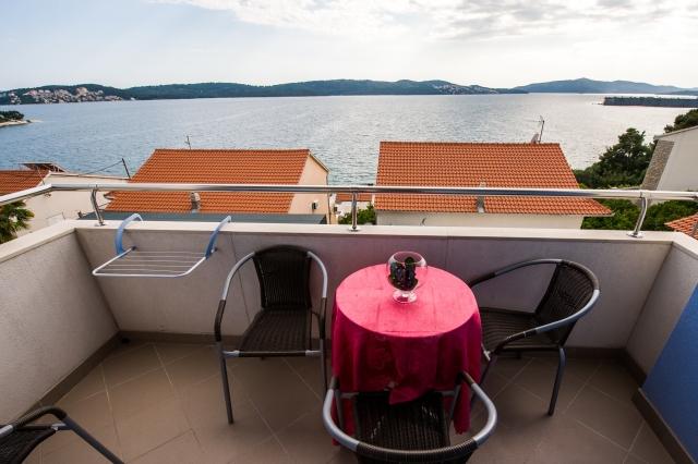 001TROG - Trogir - Appartements Croatie - A6(2+2): terrasse couverte