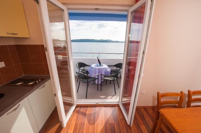 001TROG - Trogir - Appartements Croatie - A7(2+2): terrasse couverte