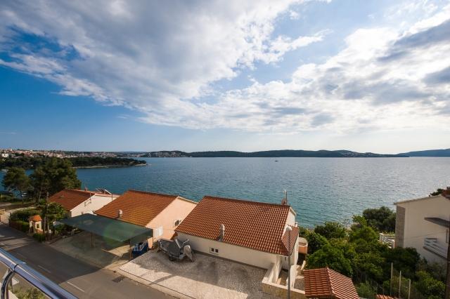 001TROG - Trogir - Appartements Croatie - A7(2+2): vue de la terrasse