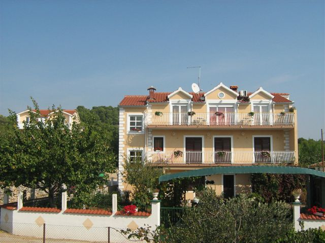 8127  - Brodarica - Apartmanok Horvátország
