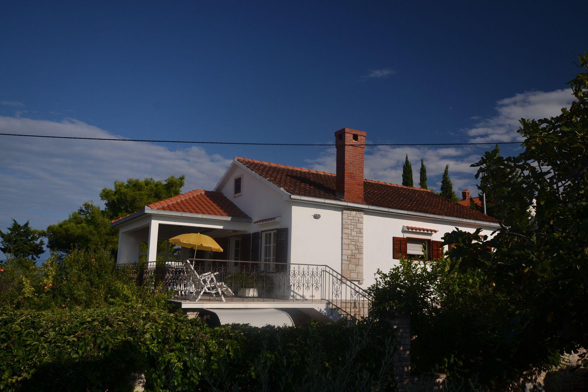 8142 - Splitska - Ferienwohnungen Kroatien