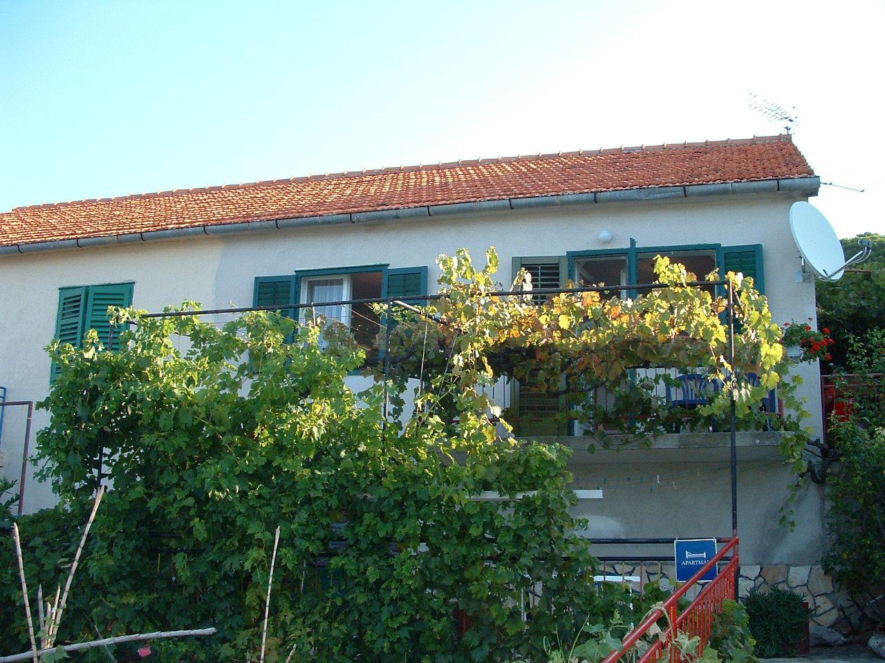 00510TISN - Tisno - Apartmány Chorvatsko