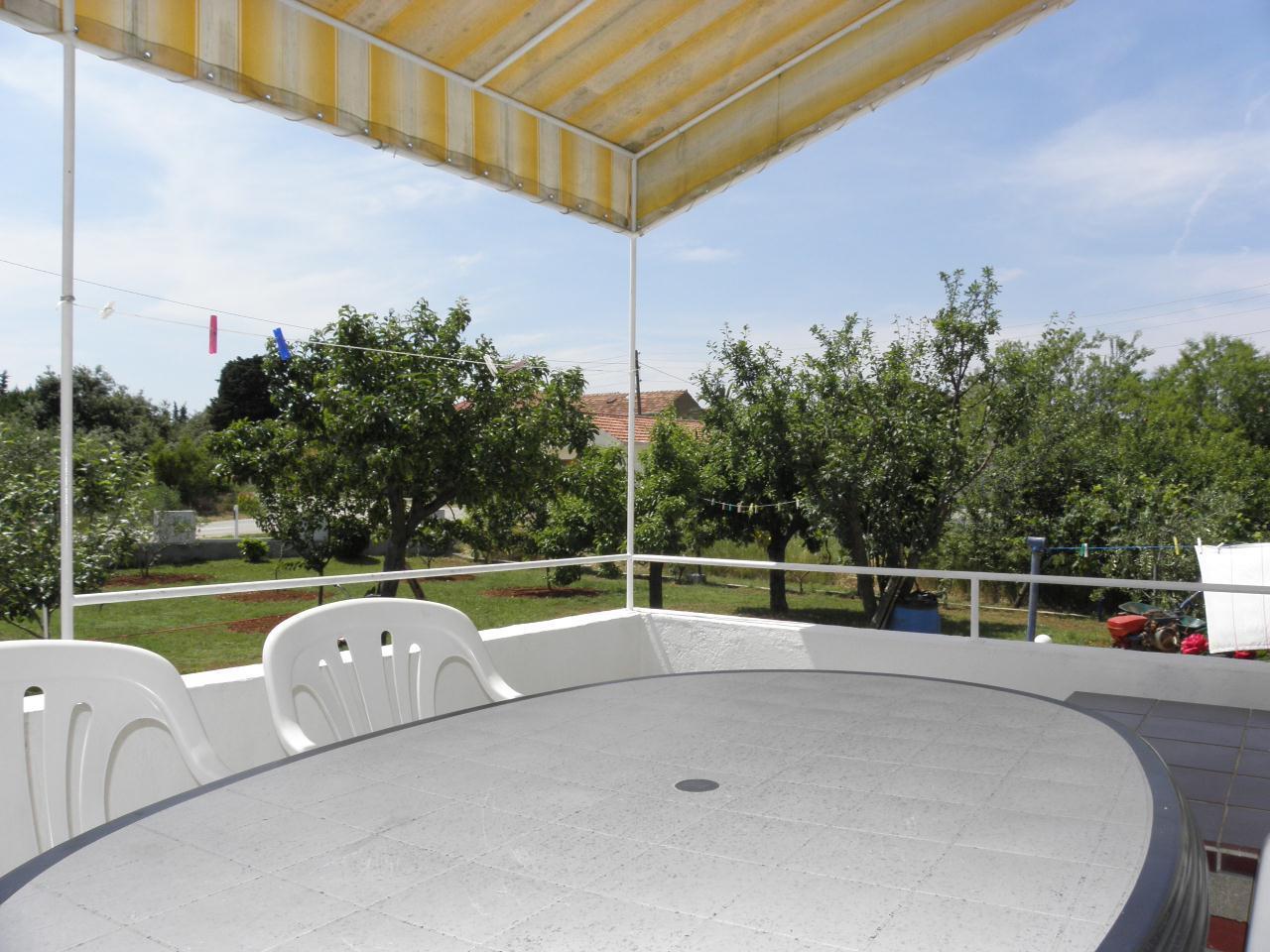 A3(4+1): terrace view