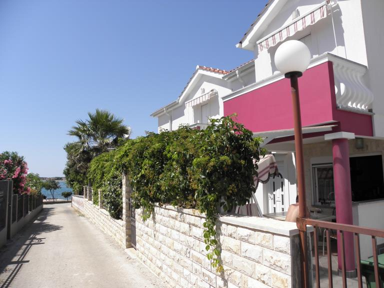 2810  - Vir - Apartments Croatia