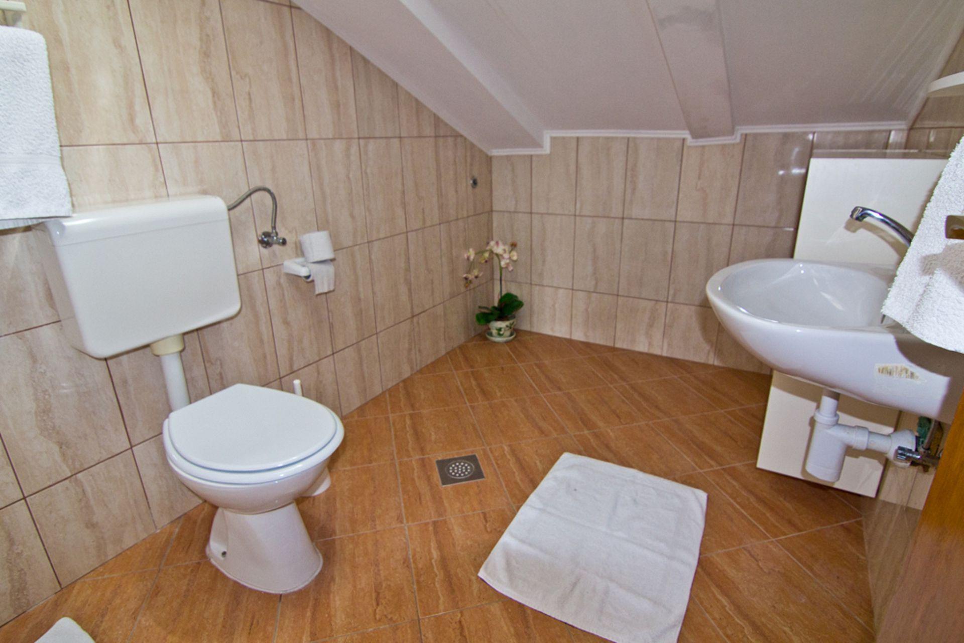 Ankica - Кампор - Апартаменты Хорватия - A2(8): ванная комната с туалетом