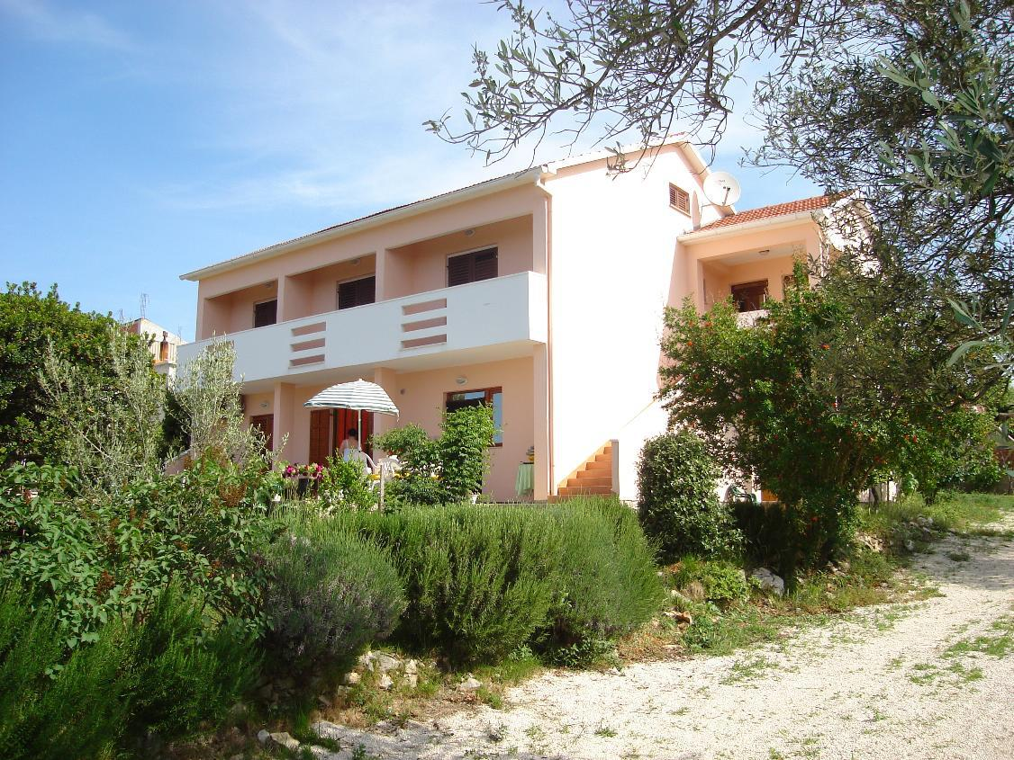3447 - Petrcane - Apartments Croatia