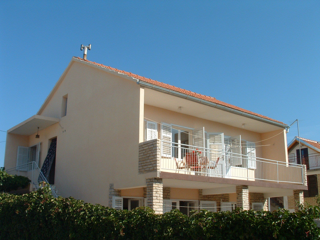 00410TISN - Tisno - Apartmány Chorvatsko