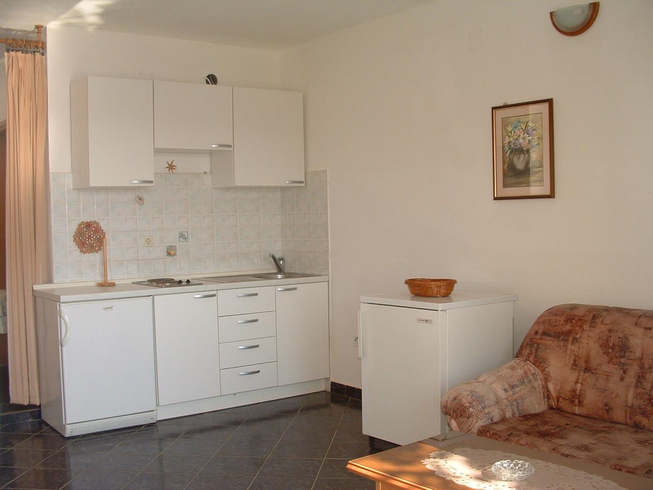 Ante Č - Vinisce - Appartementen Kroatië - A2(2+2): keuken