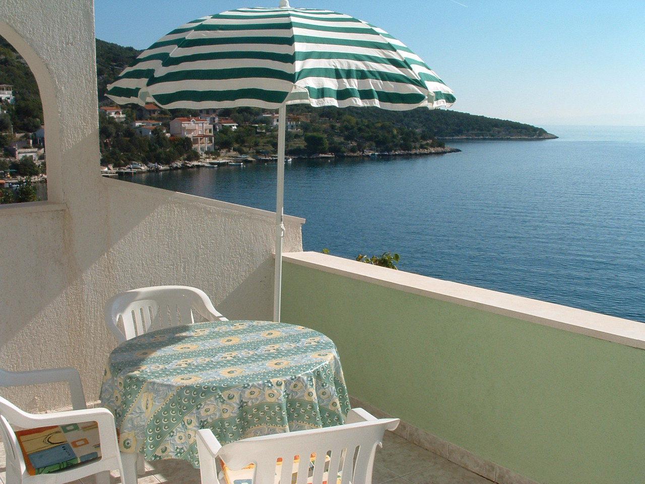 Ante Č - Vinisce - Appartementen Kroatië - A3(3): uitzicht vanaf terras