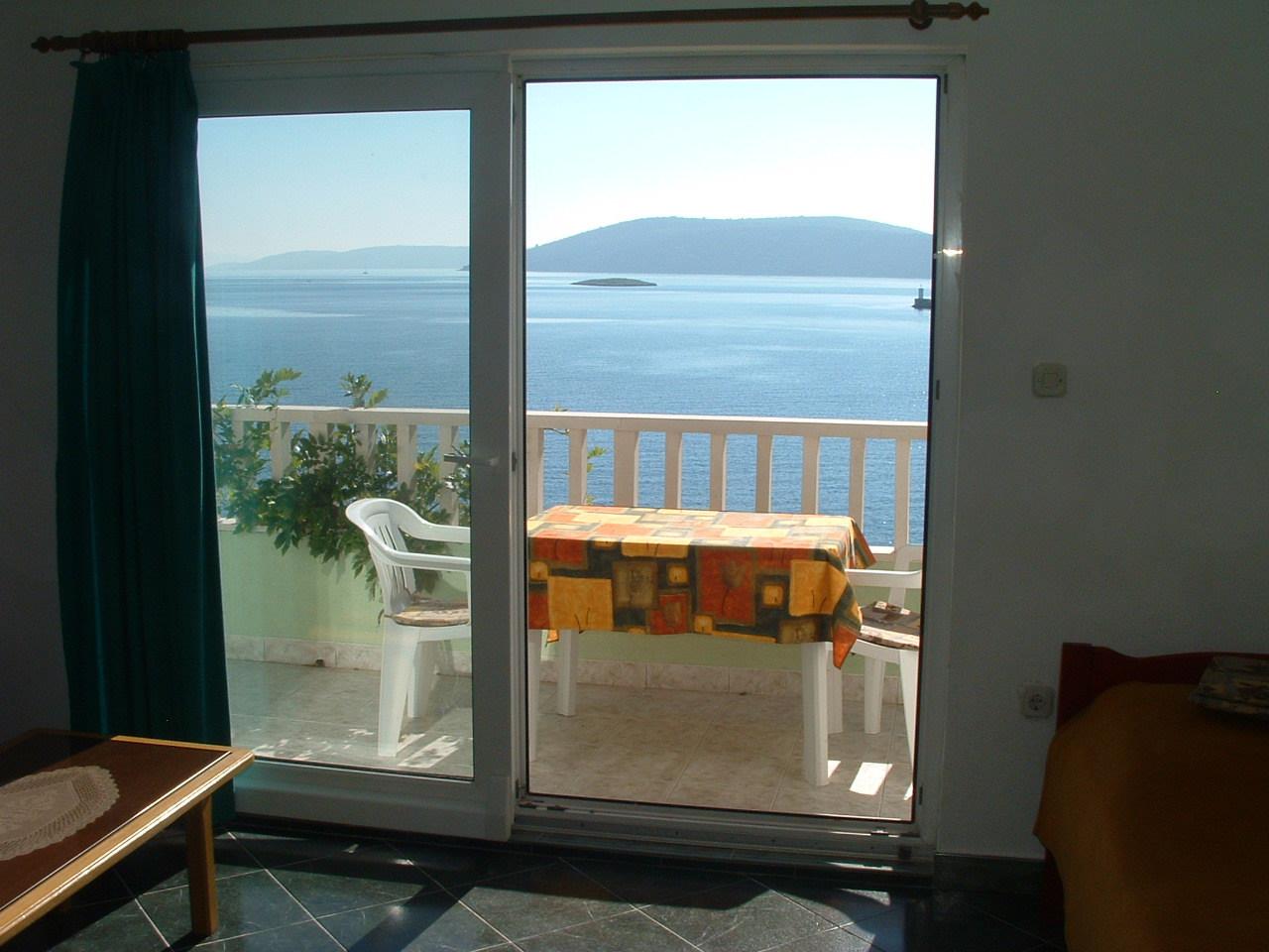Ante Č - Vinisce - Appartementen Kroatië - A5(2+2): terras