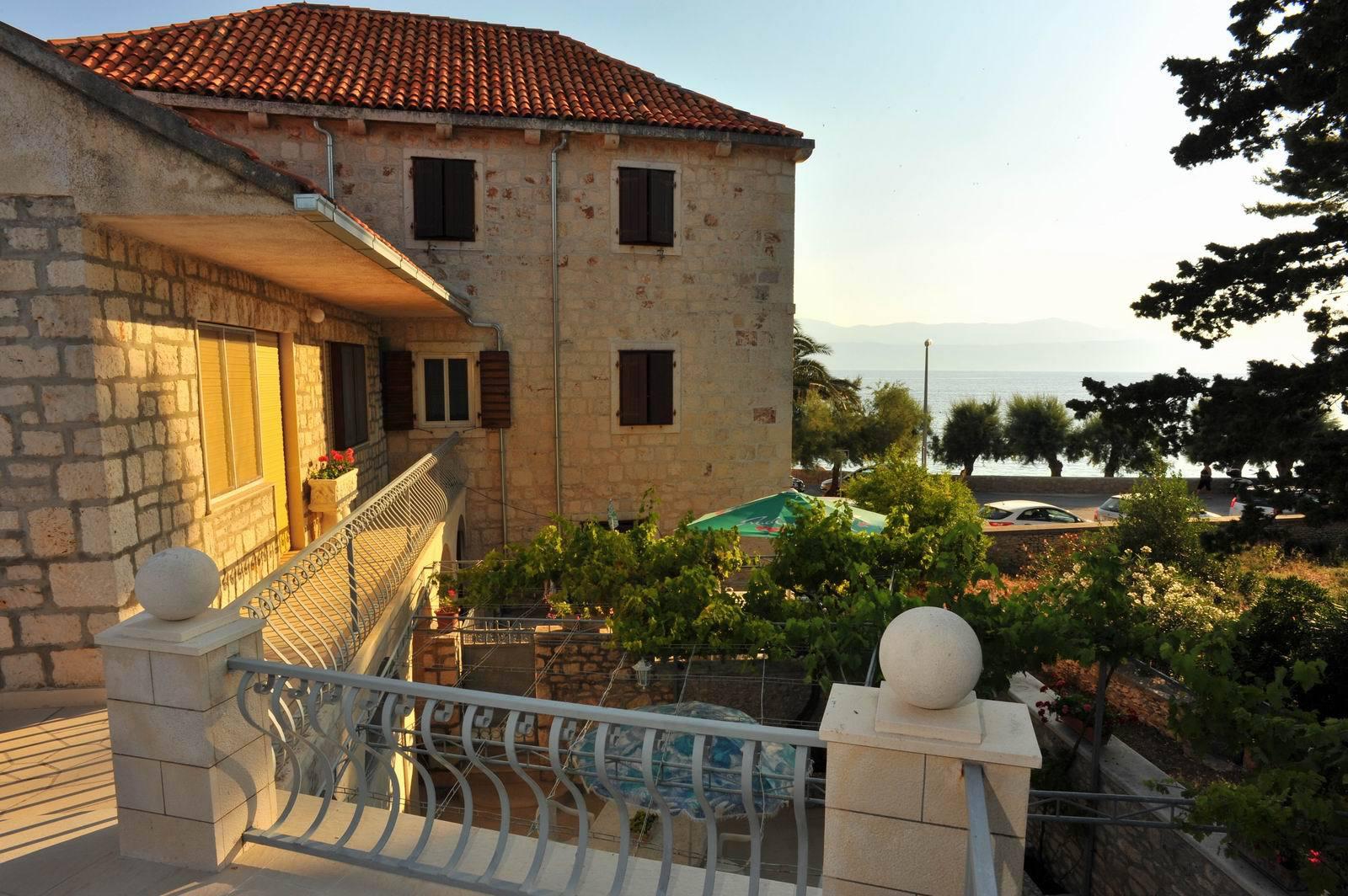 01501SUTI - Sutivan - Appartements Croatie - maison