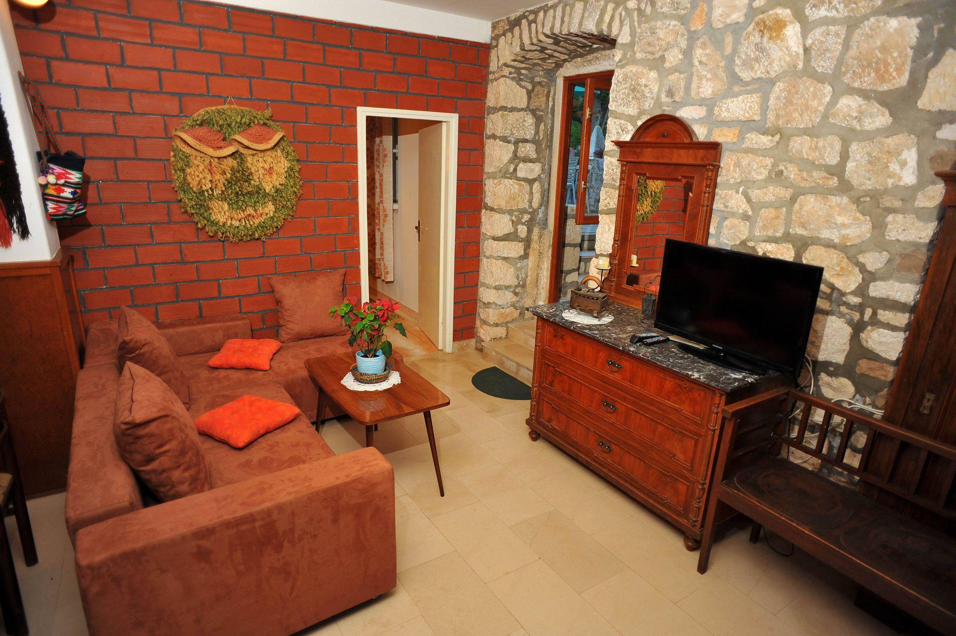 01501SUTI - Sutivan - Appartements Croatie - A1(6): séjour