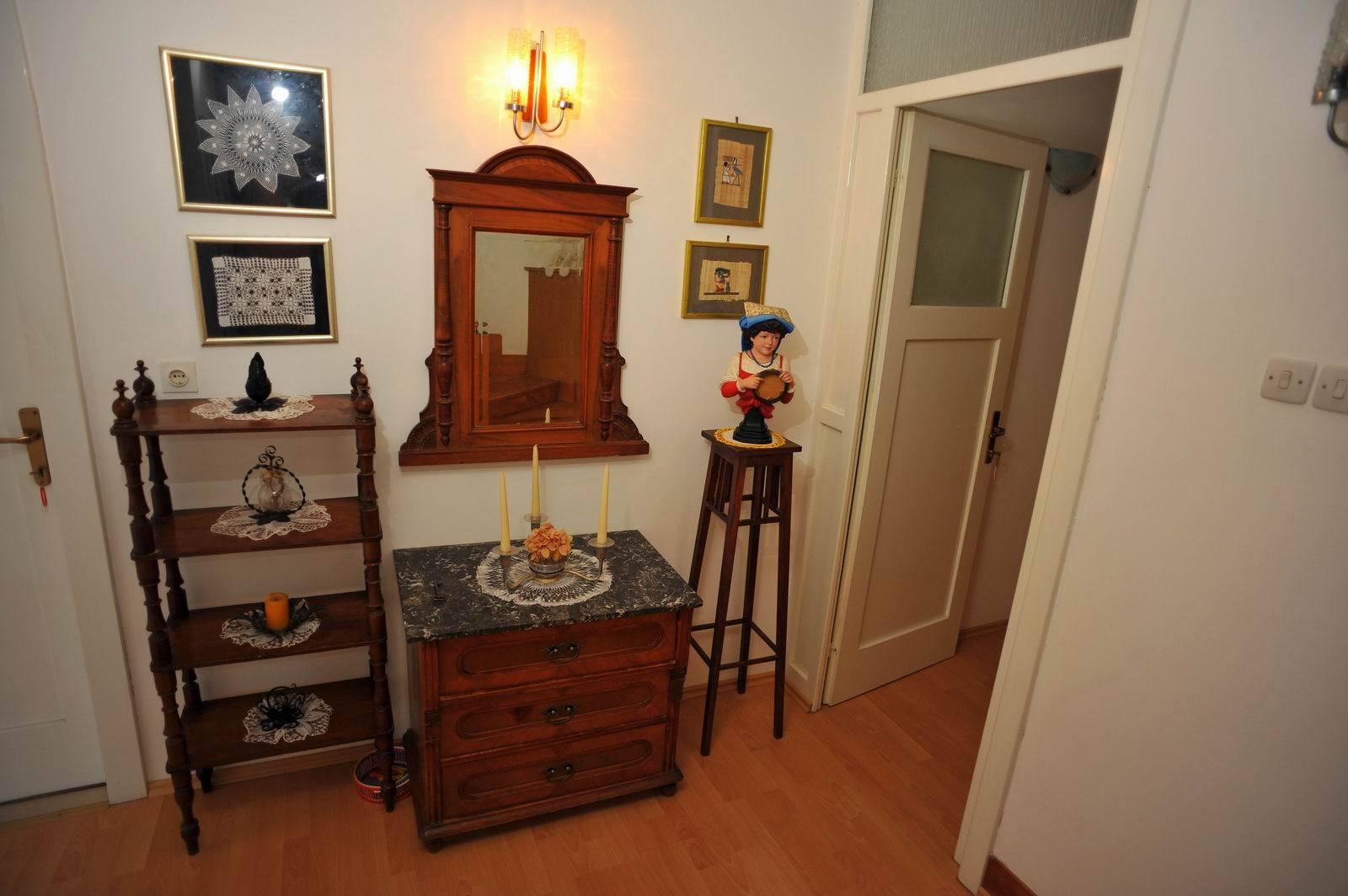 01501SUTI - Sutivan - Appartements Croatie - A2(6): intérieur