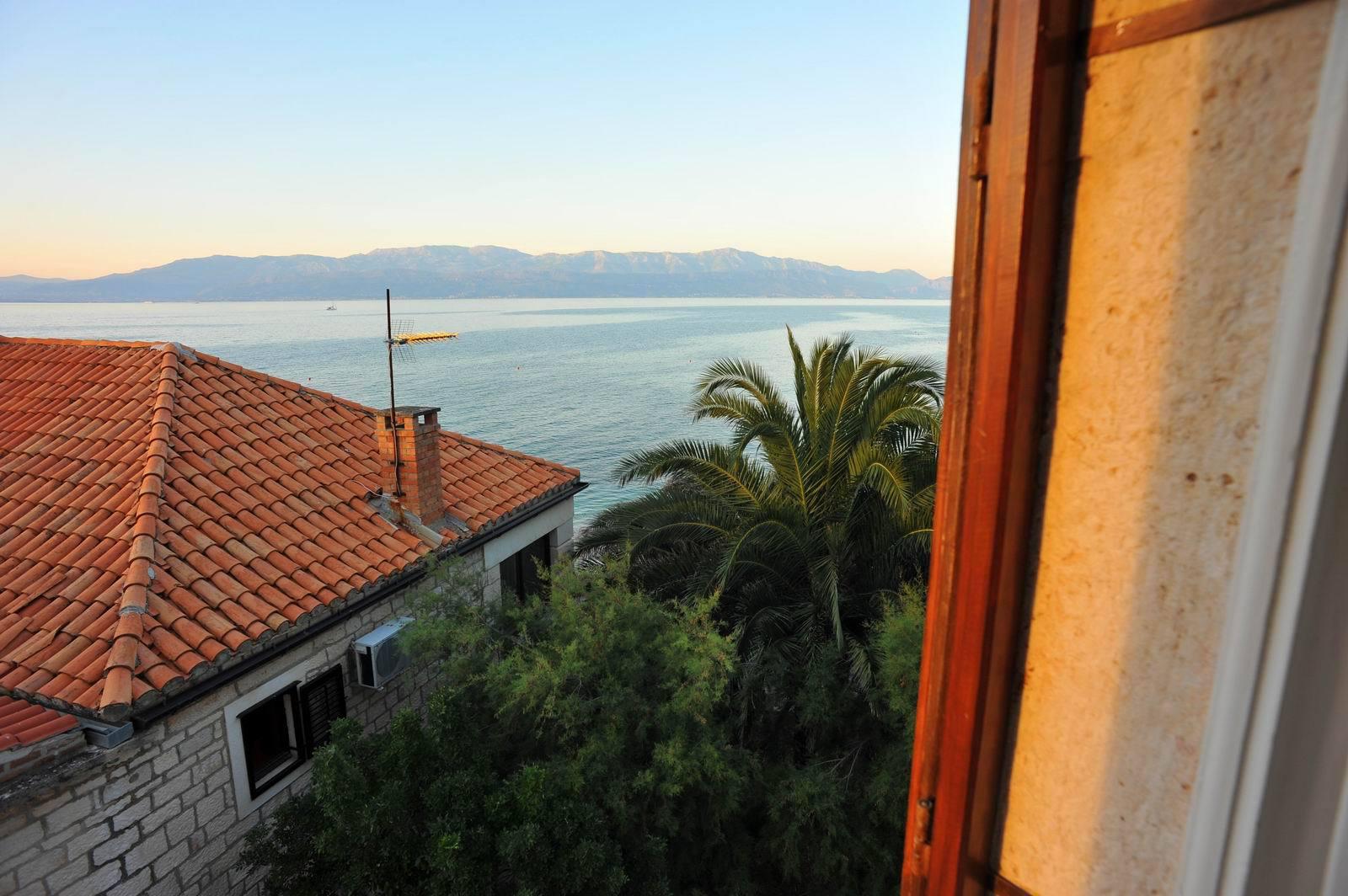 01501SUTI - Sutivan - Appartements Croatie - A3(6): vue sur la mer
