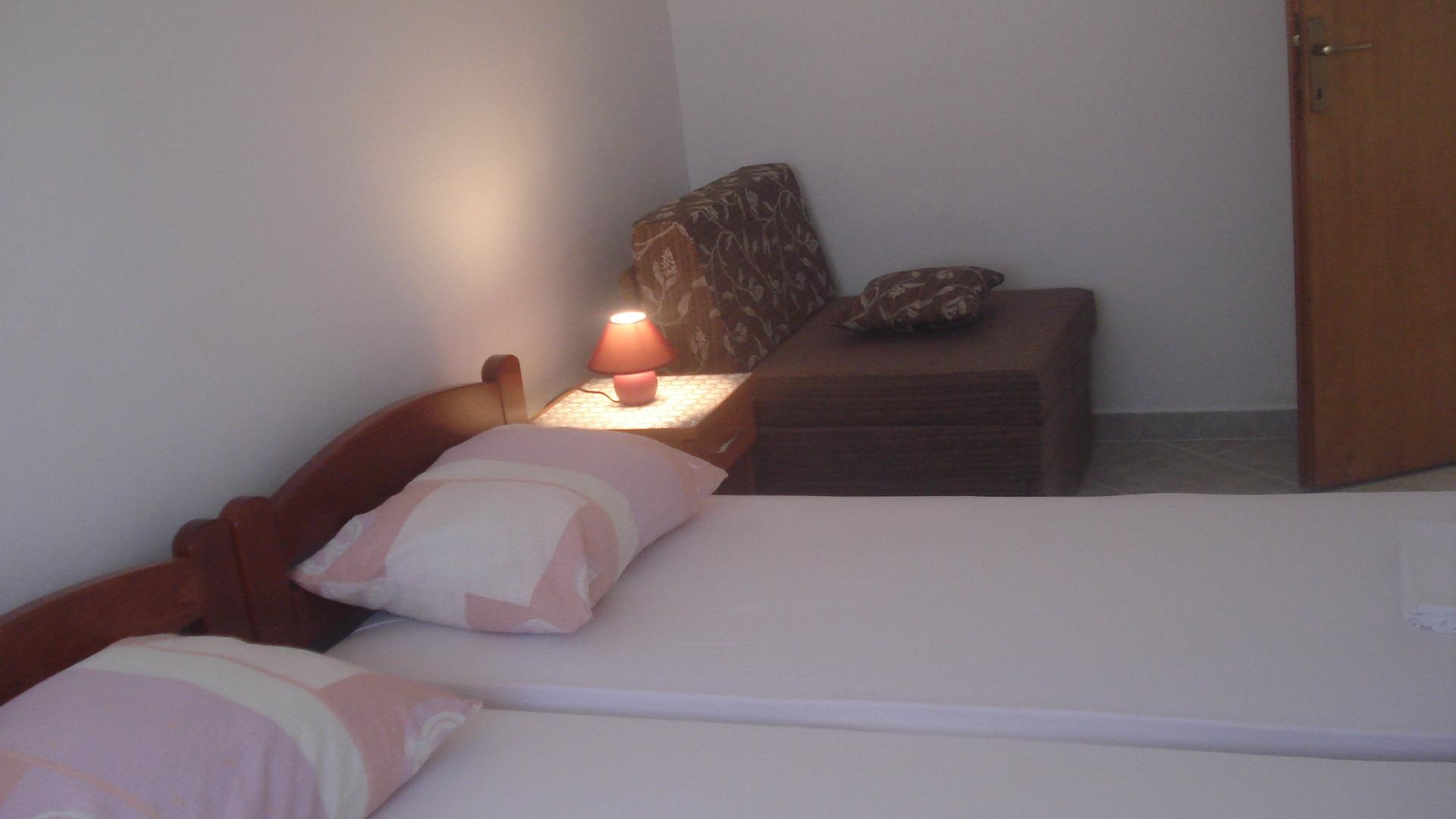 Biserka - Pag - Ferienwohnungen Kroatien - A2(2+2): Schlafzimmer