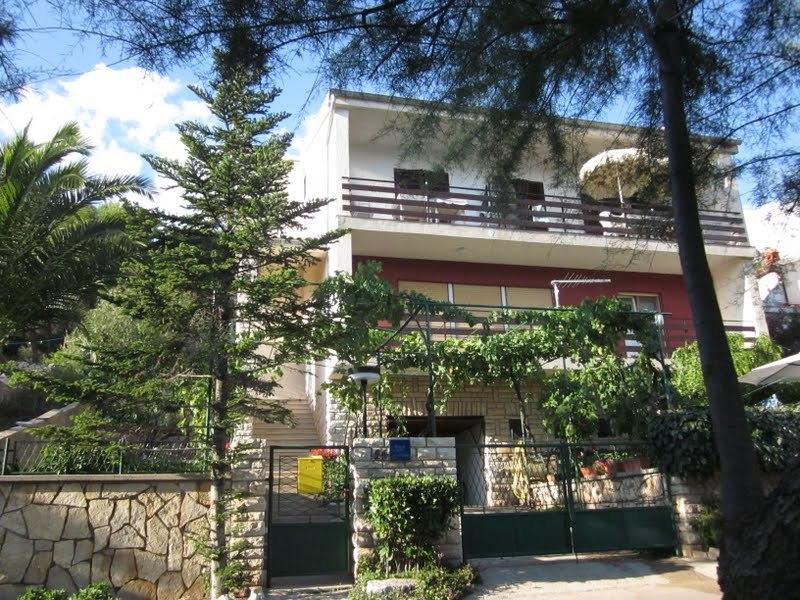 5042 - Tisno - Apartamenty Chorwacja