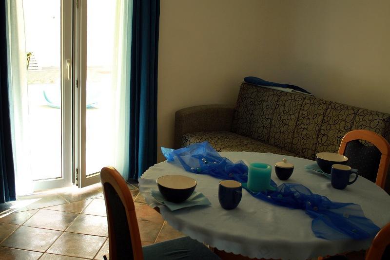 A4 Plavi (2+1): living room