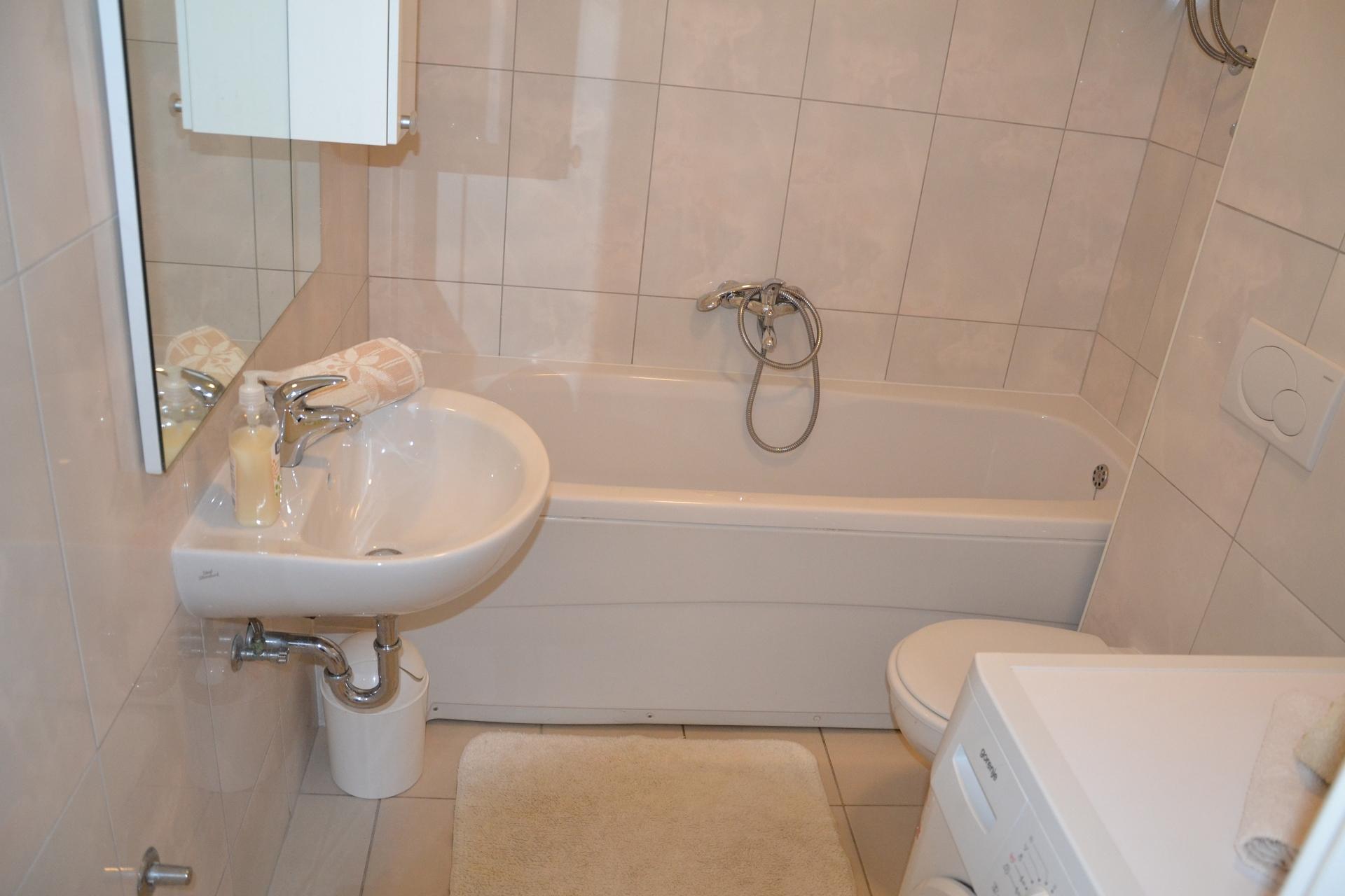 34989  - Trogir - Appartements Croatie - A3(4+2): salle de bain W-C
