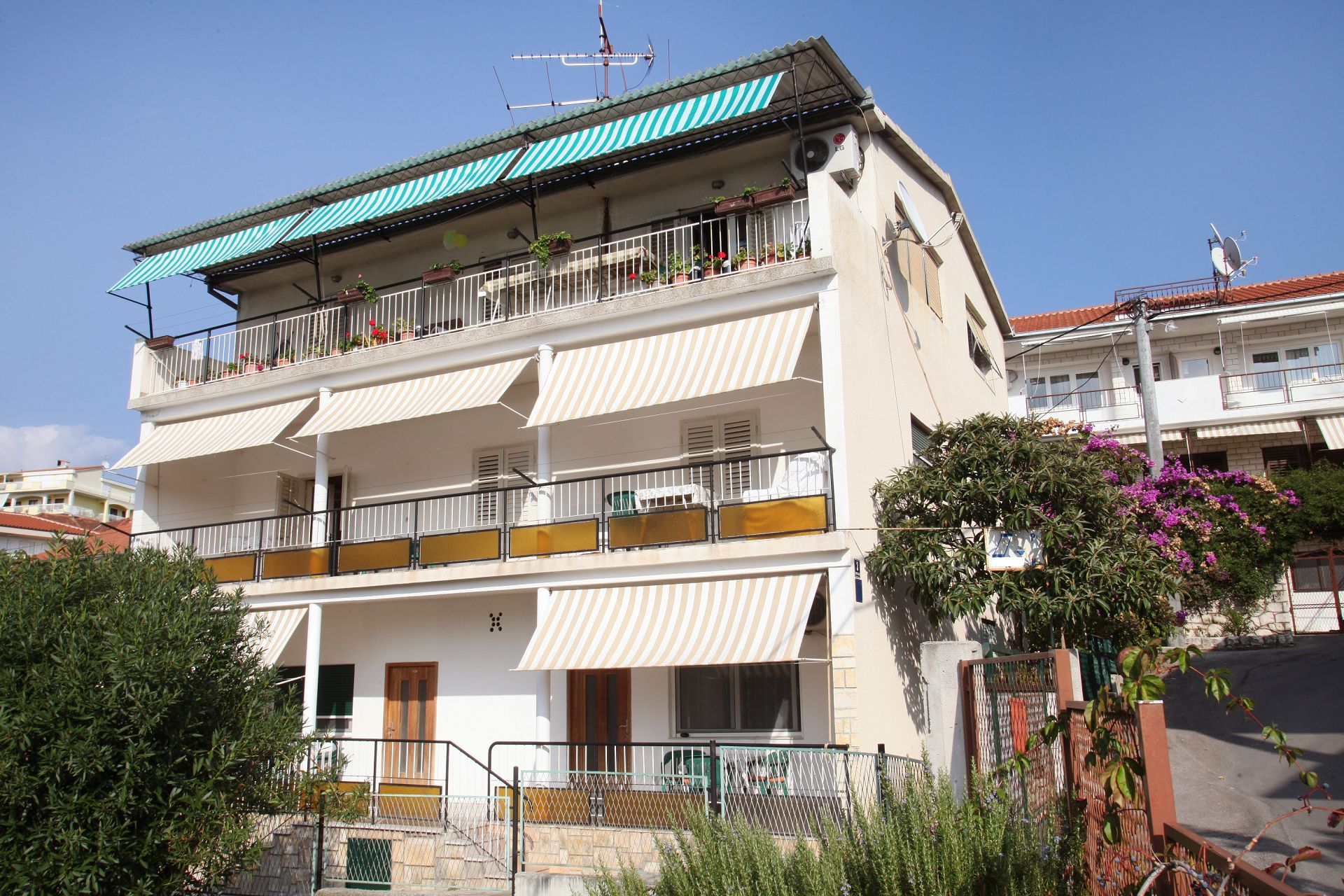 Apartments, Trogir, Trogir and surroundings - Apartments  Kaza