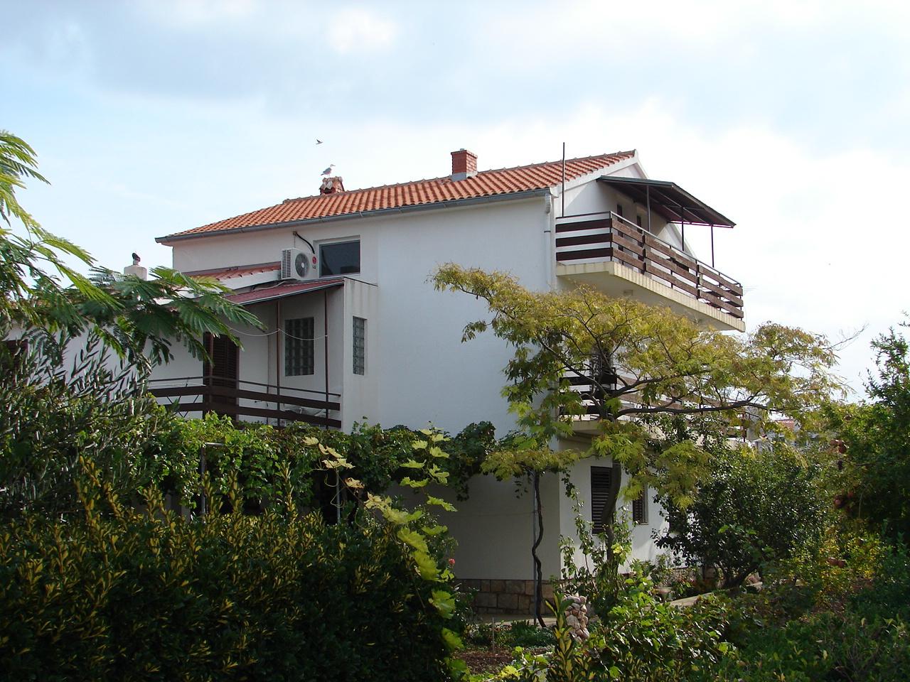 35179 - Betina - Ferienwohnungen Kroatien