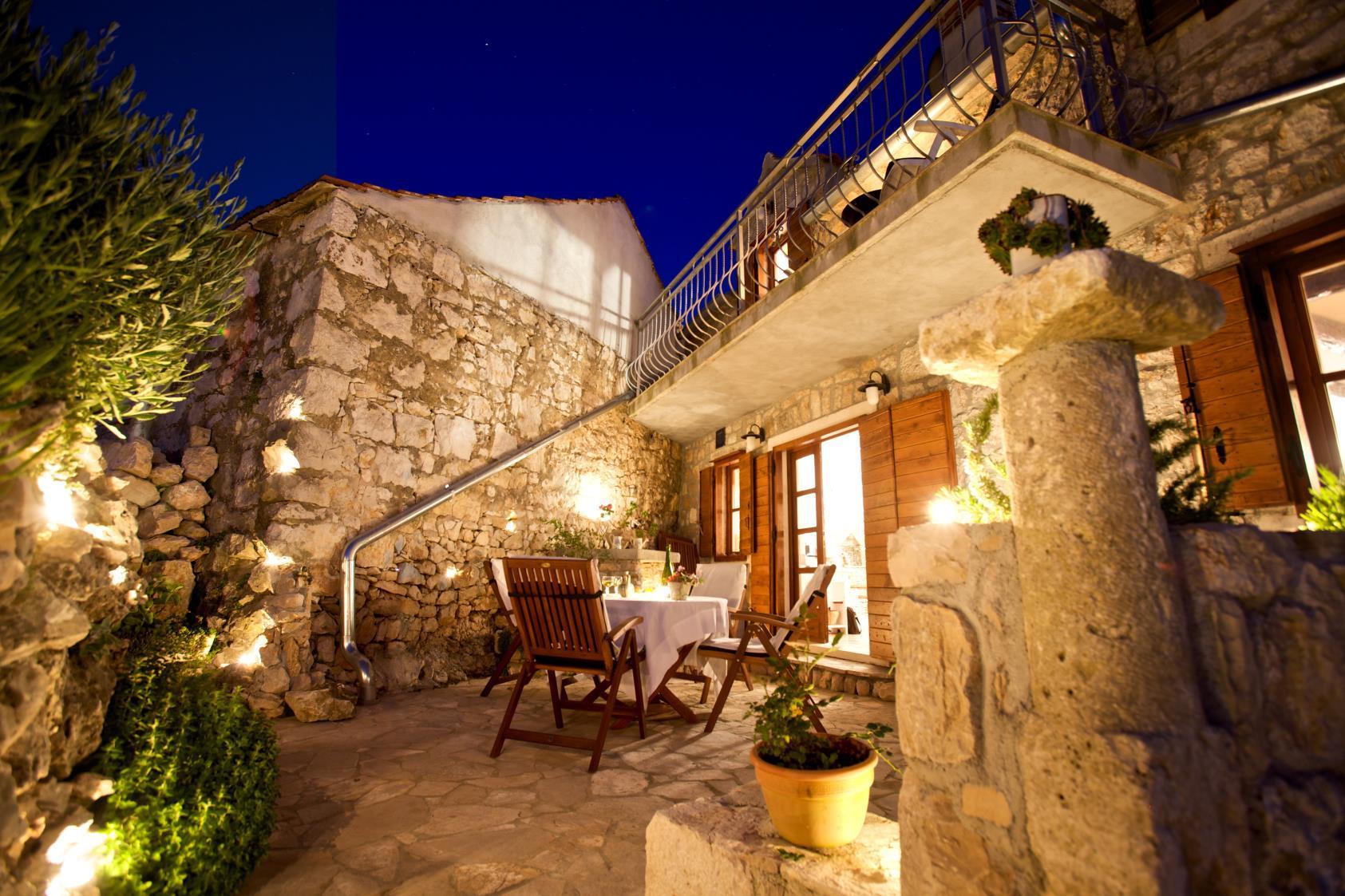Holiday Homes, ,  - Holiday houses, villas  Masa