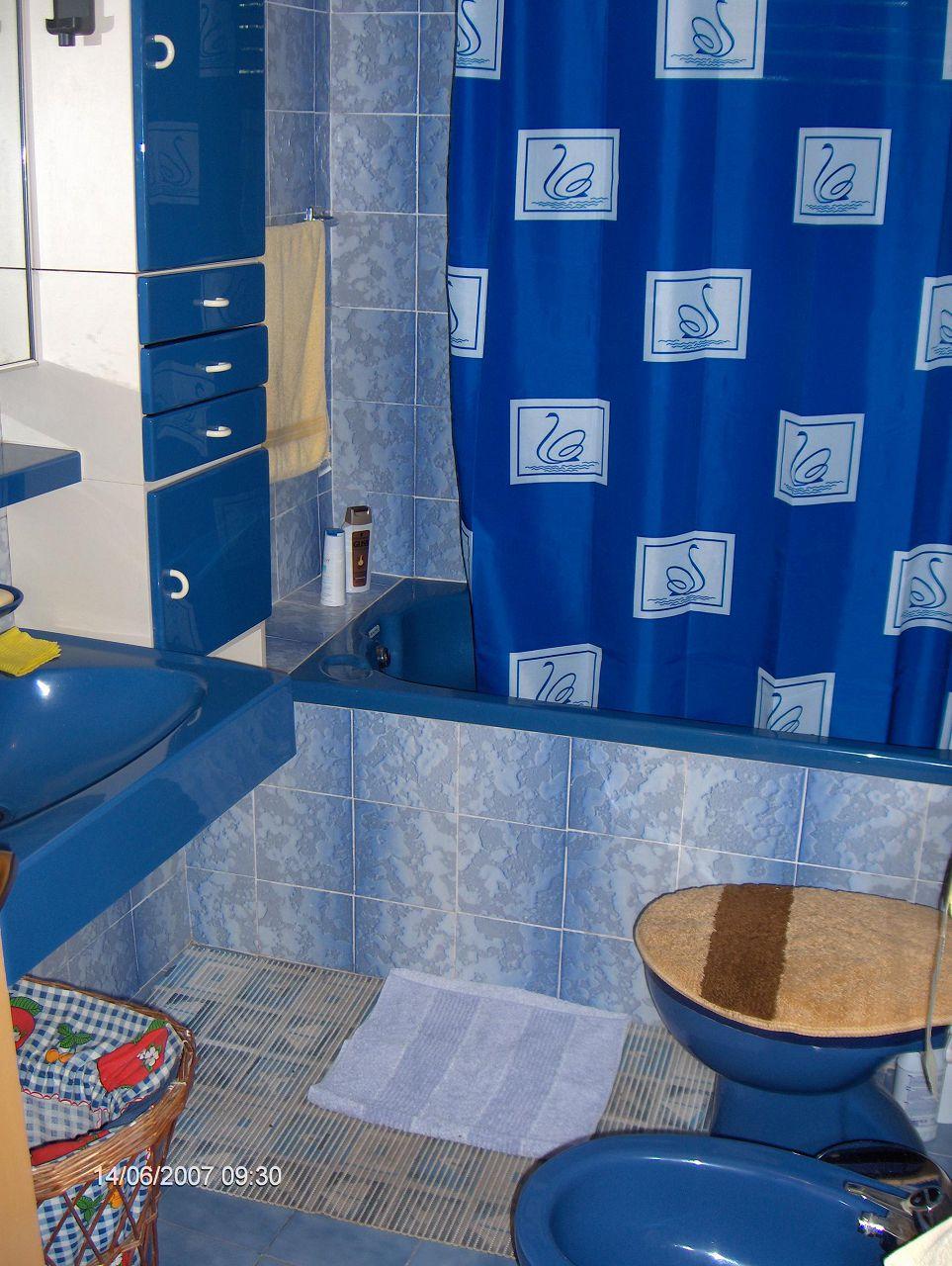 0203VRBO - Vrboska - Appartementen Kroatië - R1(2): badkamer met toilet