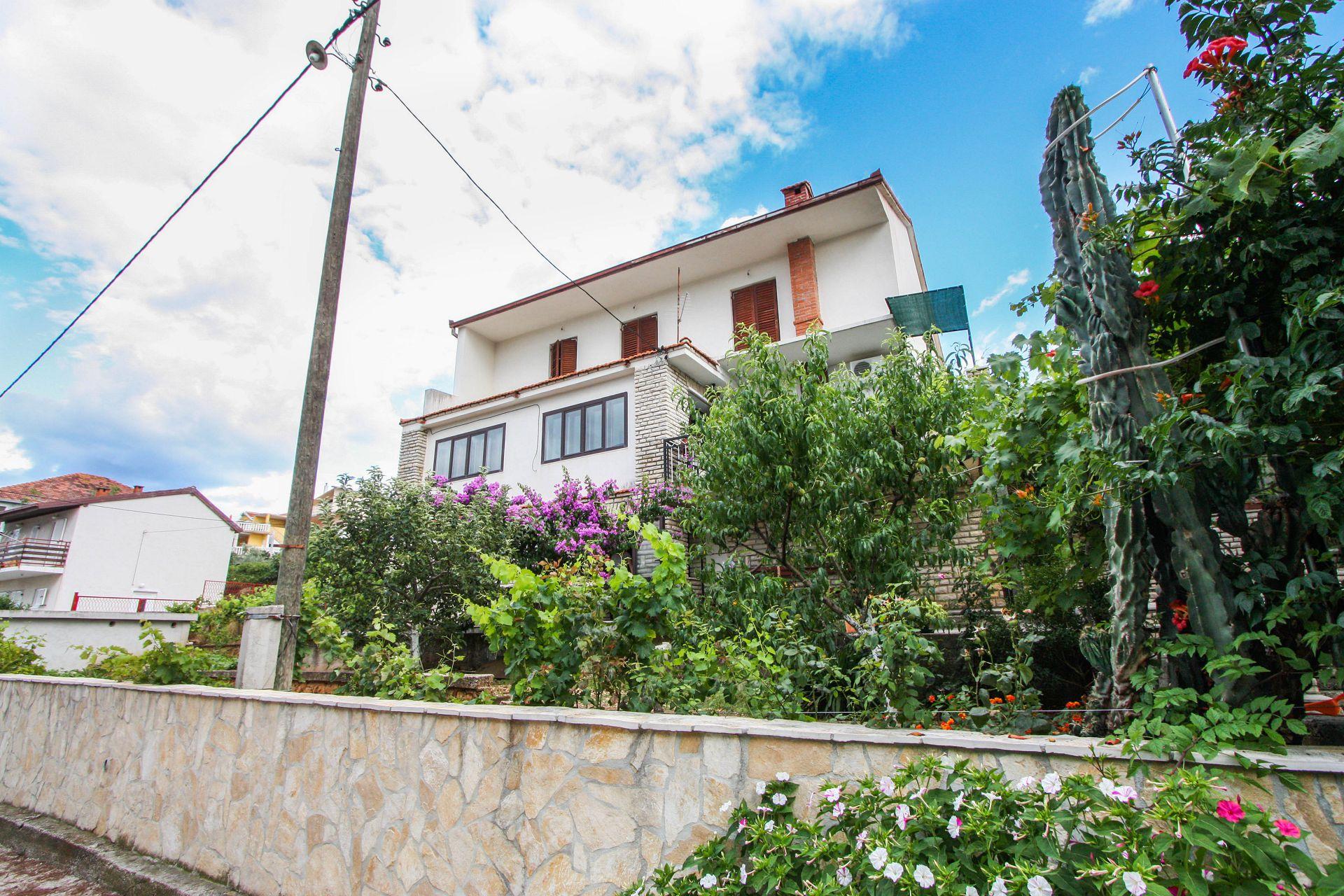 35895 - Arbanija - Appartementen Kroatië