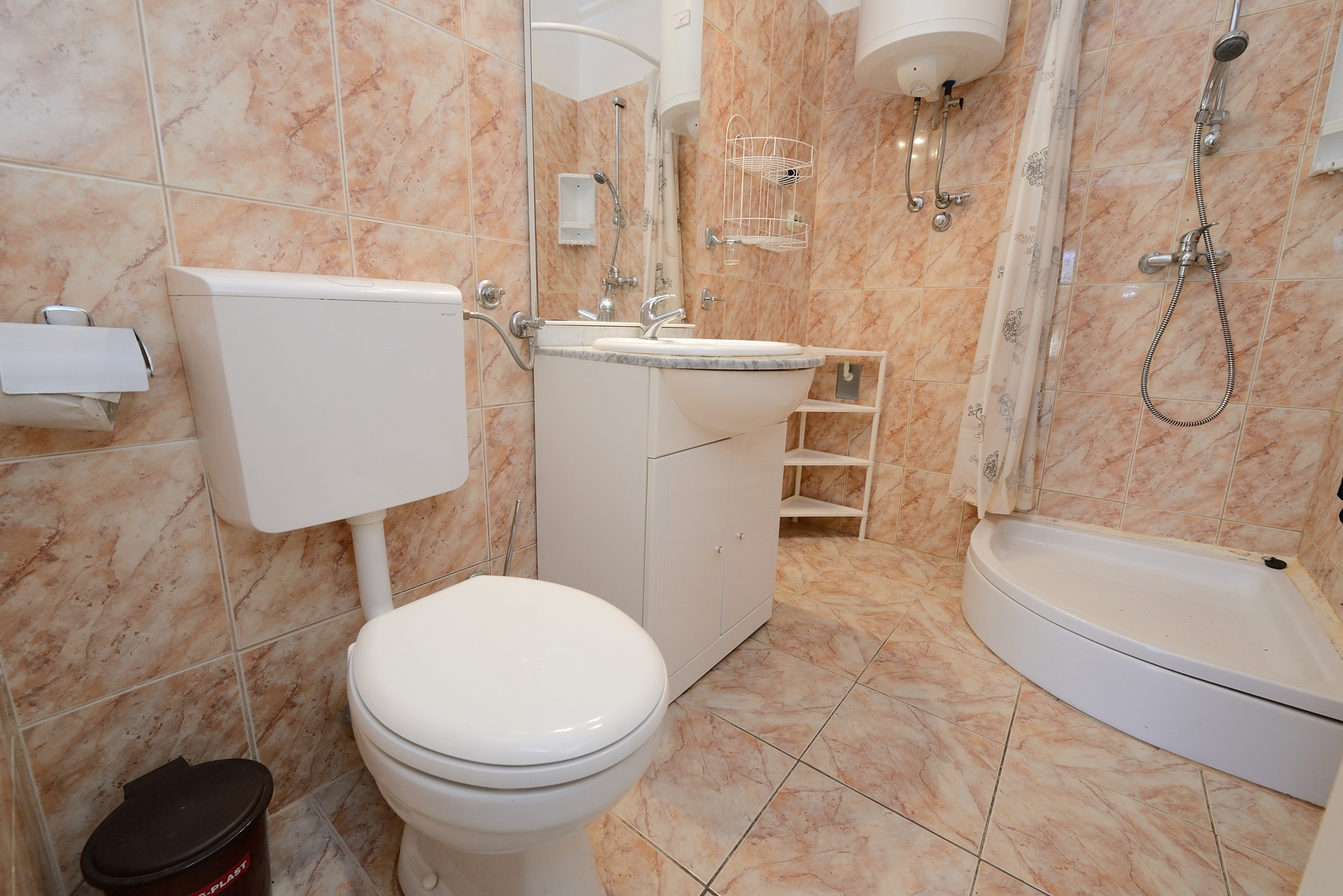 Martin - Lukoran - Vakantiehuizen, villa´s Kroatië - H(8): badkamer met toilet
