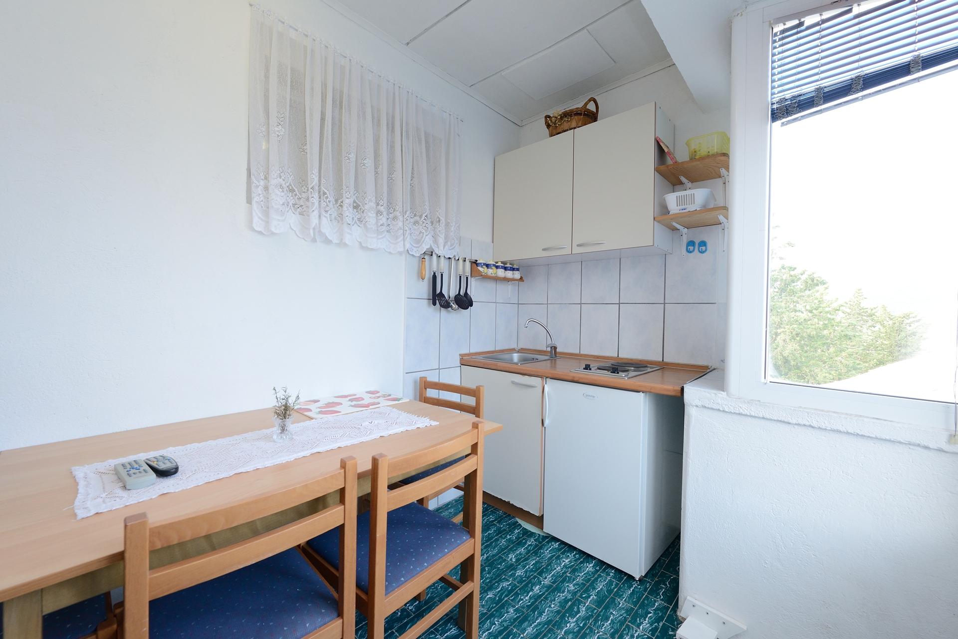 Martin - Lukoran - Vakantiehuizen, villa´s Kroatië - H(8): keuken en eetkamer