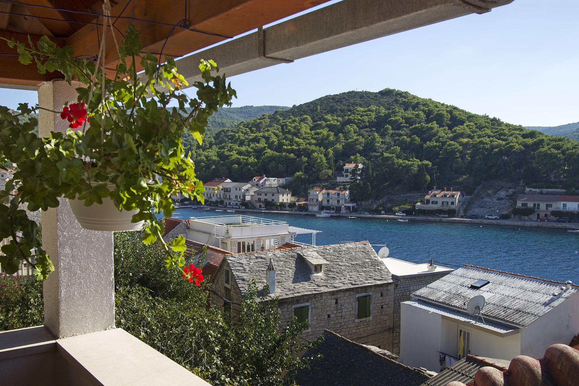 H(10): terrace view