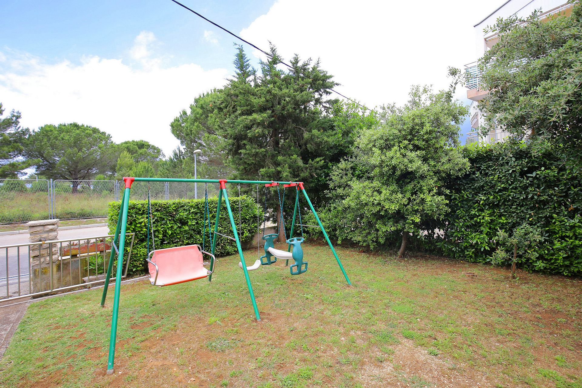 00418ZATZ - Zaton (Zadar) - Apartments Croatia - children playground