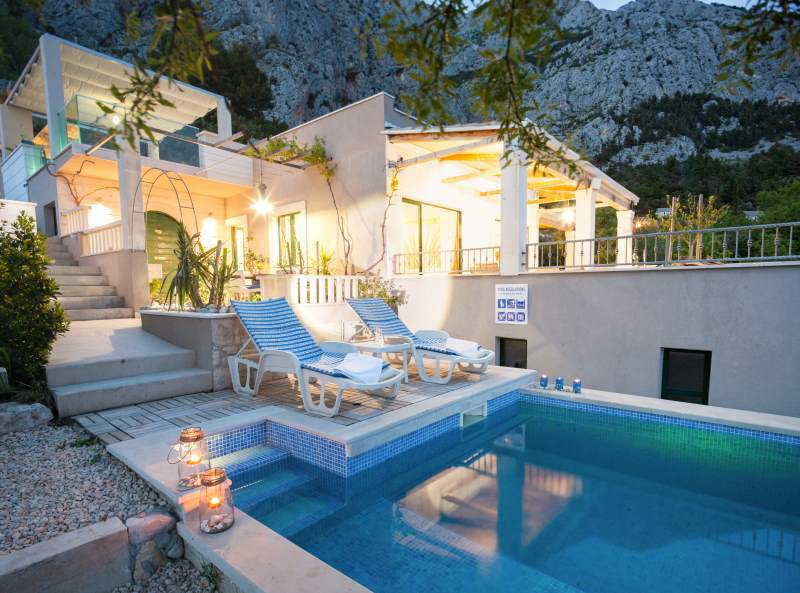 3346 - Makarska - Holiday houses, villas Croatia