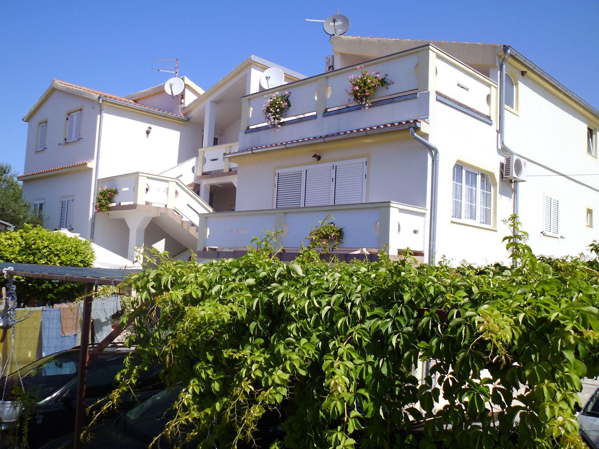 A00106PIRO - Pirovac - Appartamenti Croazia