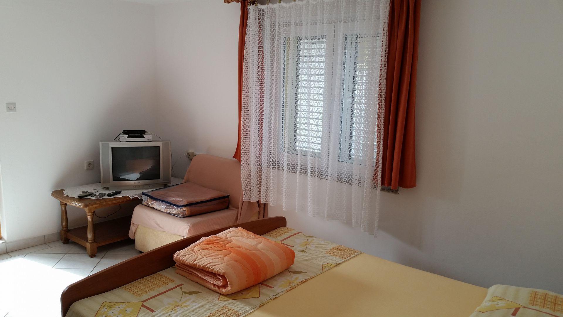 A00106PIRO - Pirovac - Ferienwohnungen Kroatien - SA3(2): Innenausstattung