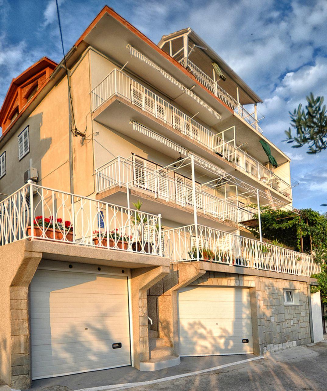 01509OMIS  - Omis - Apartments Croatia