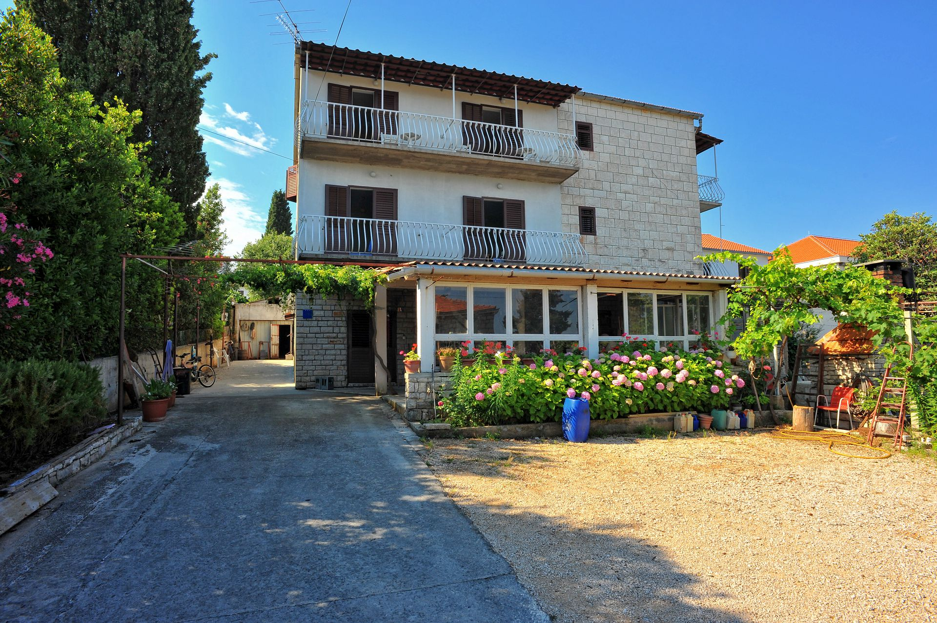 Mar - Sutivan - Apartments Croatia