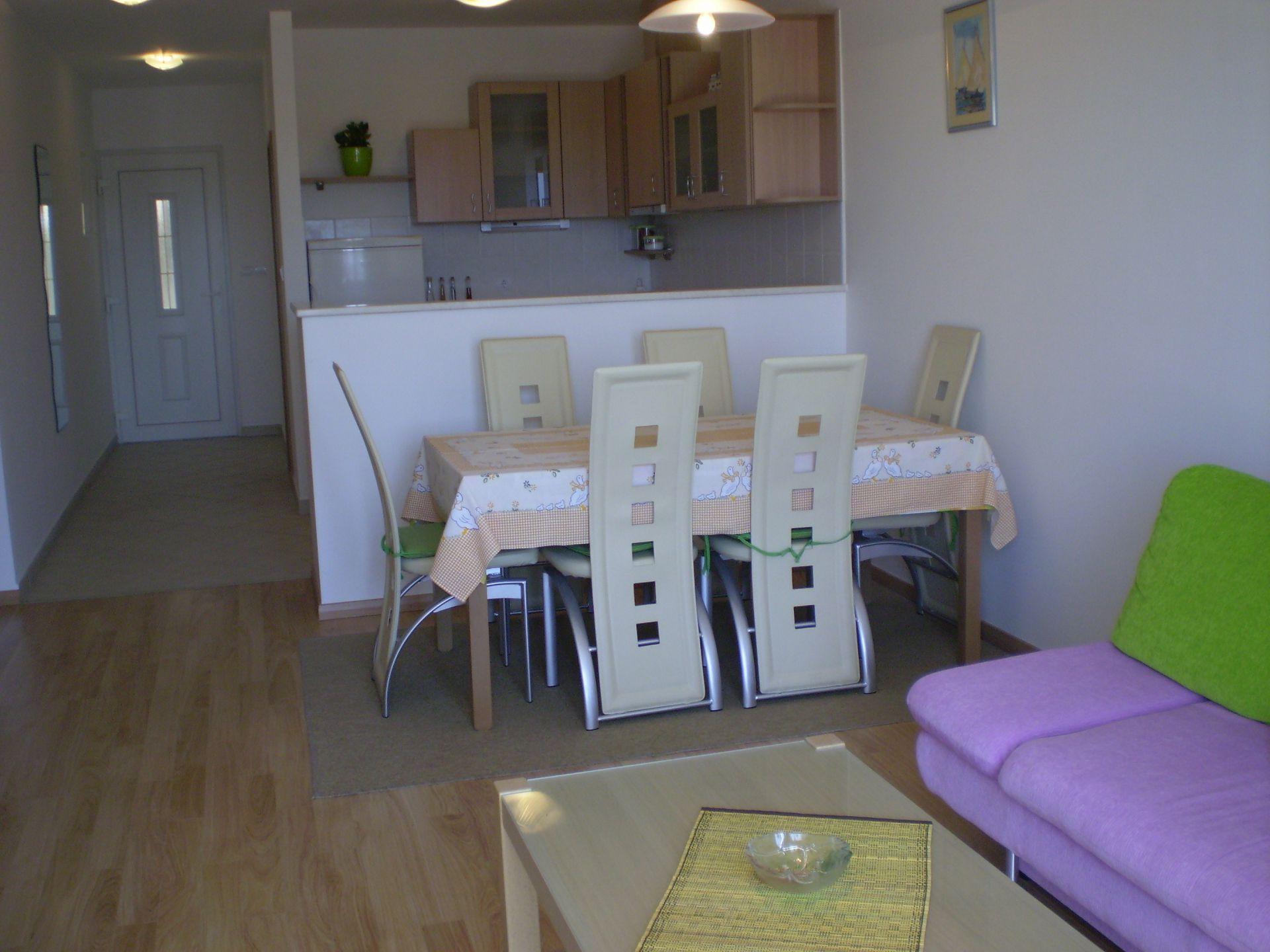 001HVAR - Hvar - Appartementen Kroatië - A1(4): eetkamer