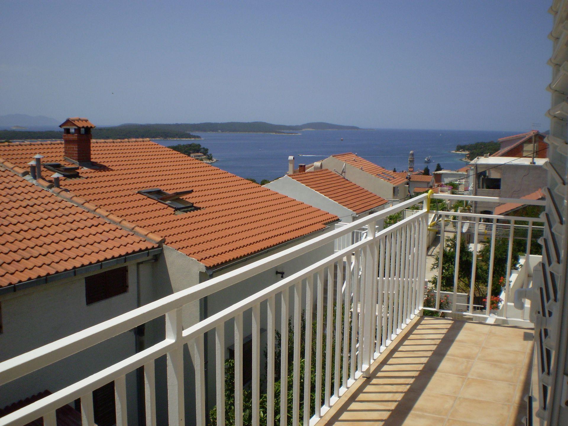 001HVAR - Hvar - Appartementen Kroatië - A1(4): uitzicht vanaf terras