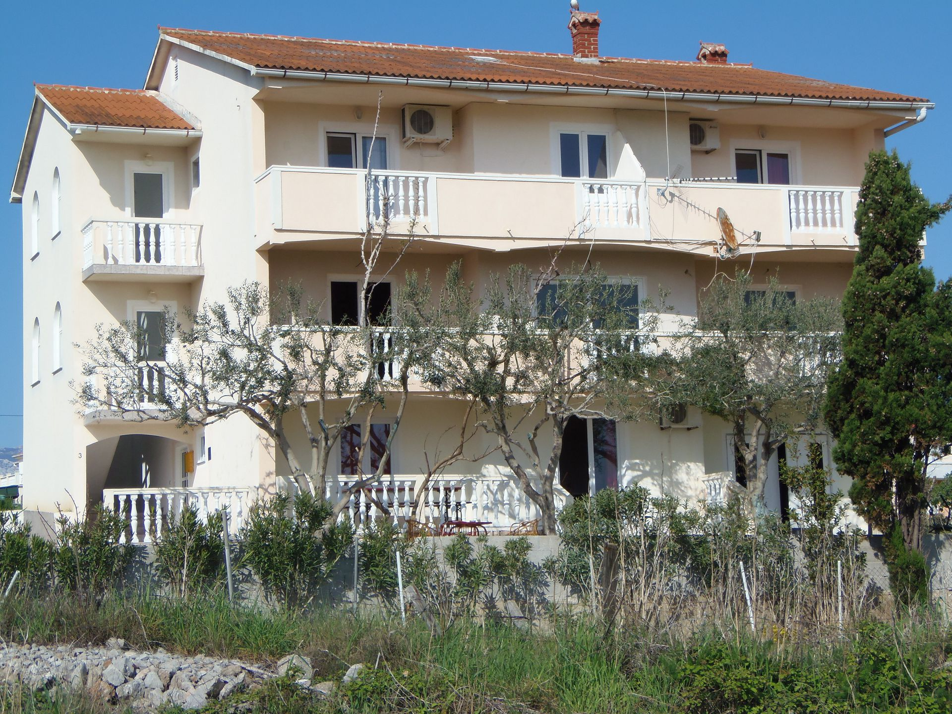 2235 - Povljana - Apartments Croatia