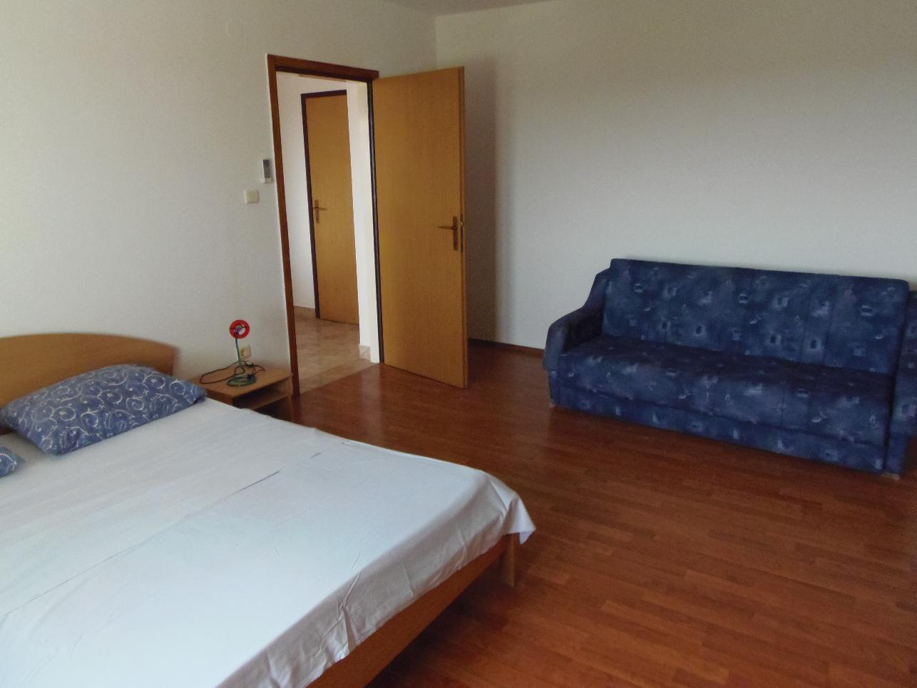 2235 - Povljana - Appartementen Kroatië - A1 mali (2+2): slaapkamer
