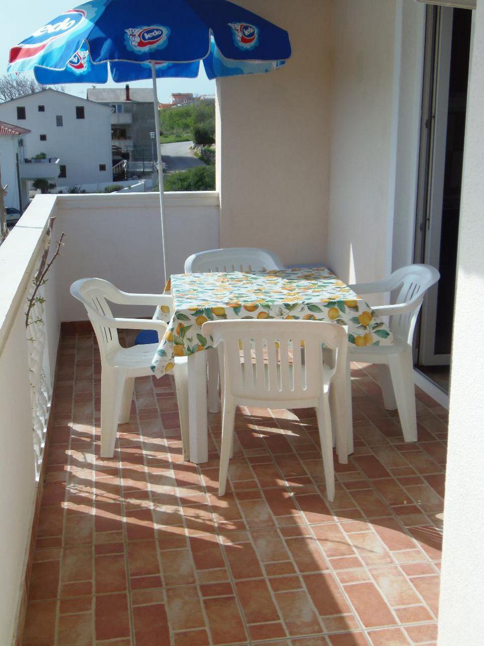 2235 - Povljana - Appartementen Kroatië - A1 mali (2+2): terras