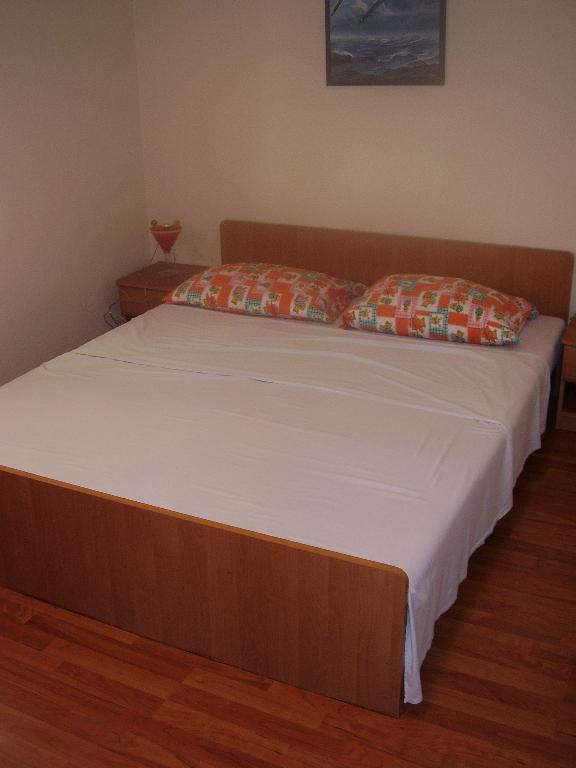2235 - Povljana - Appartementen Kroatië - A3 donji (2+2): slaapkamer