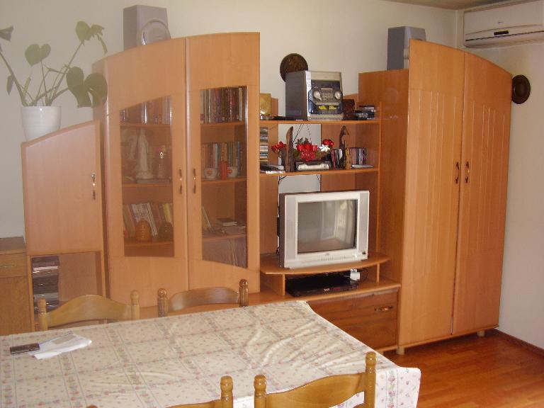 2235 - Povljana - Appartementen Kroatië - A3 donji (2+2): woonkamer
