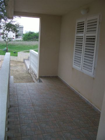 2235 - Povljana - Appartementen Kroatië - A3 donji (2+2): terras