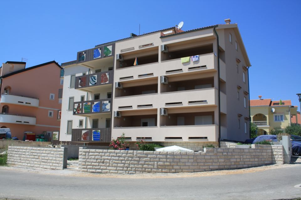 2782 - Povljana - Apartmaji Hrvaška