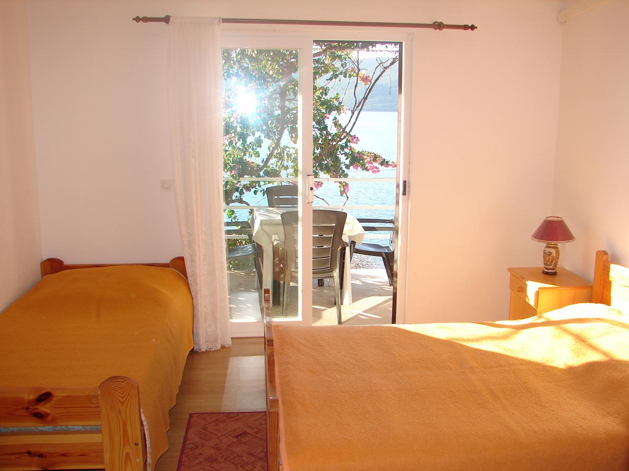 00217VIGA - Viganj - Appartamenti Croazia - A2(3): la camera da letto
