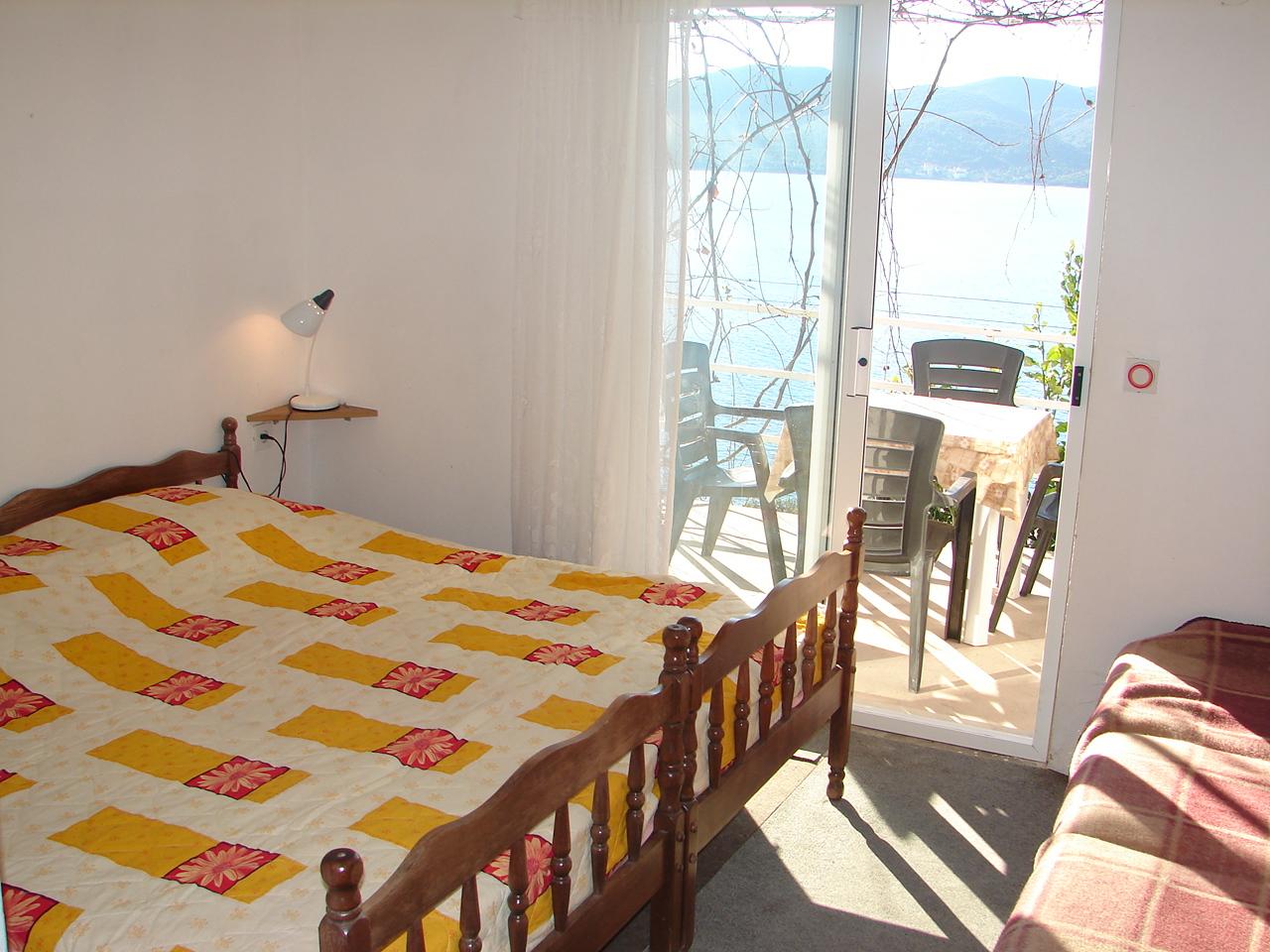 00217VIGA - Viganj - Appartamenti Croazia - A3(4): la camera da letto
