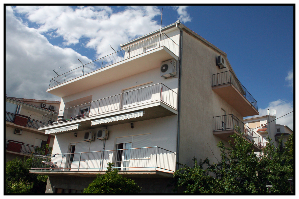 2565 - Podstrana - Apartments Croatia
