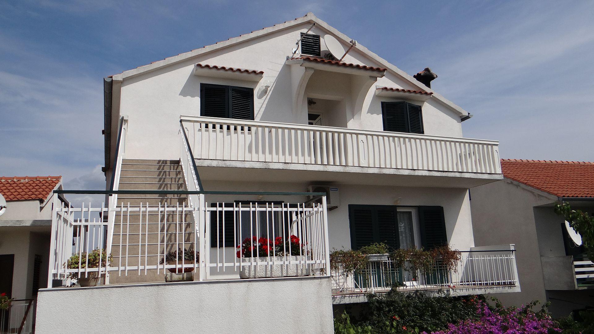 2585 - Betina - Apartments Croatia
