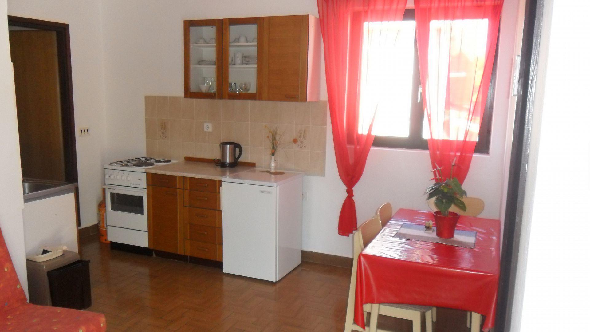 4554 - Drage - Apartmanok Horvátország - A4 gornji(2+2): konyha ebédlővel